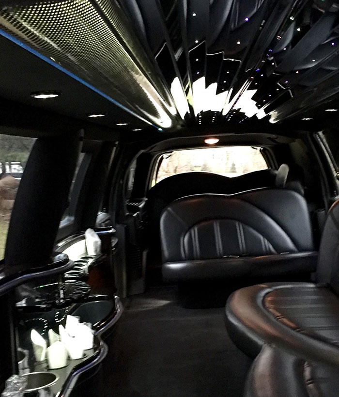 Chicago Stretch Lincoln Navigator Service For Weddings